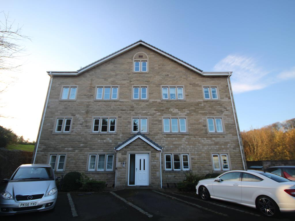 2 bedroom apartment For Sale in Foulridge, Colne - Property photograph